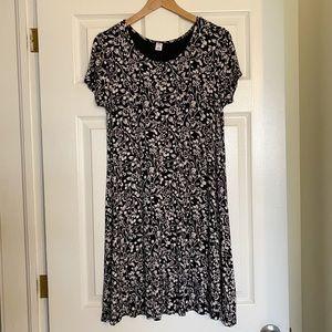 Old Navy Black & White Floral Swing Dress M